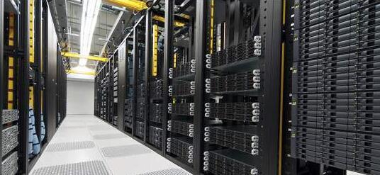 厦门机柜托管:一个机柜可以部署多少台服务器?