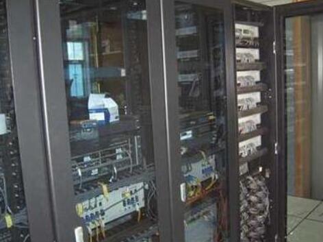 厦门机柜托管:一个机柜一般可以托管多少台服务器?