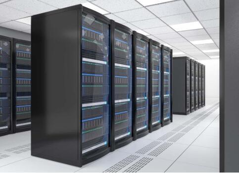 厦门移动机柜托管:如何正确选择服务器机柜尺寸和机箱大小?