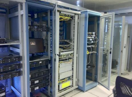 厦门移动机柜托管:企业在租用服务器整机柜有着怎样的优势?