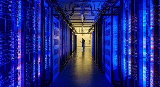 租用美国动态拨号云服务器多少钱?