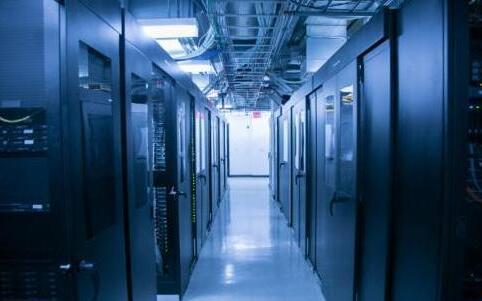美国服务器托管与美国服务器租用那个更好?